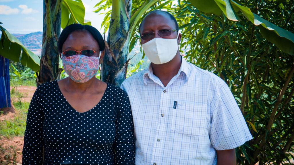 Sam and Sarah Tsapwe providing COVID relief to community.