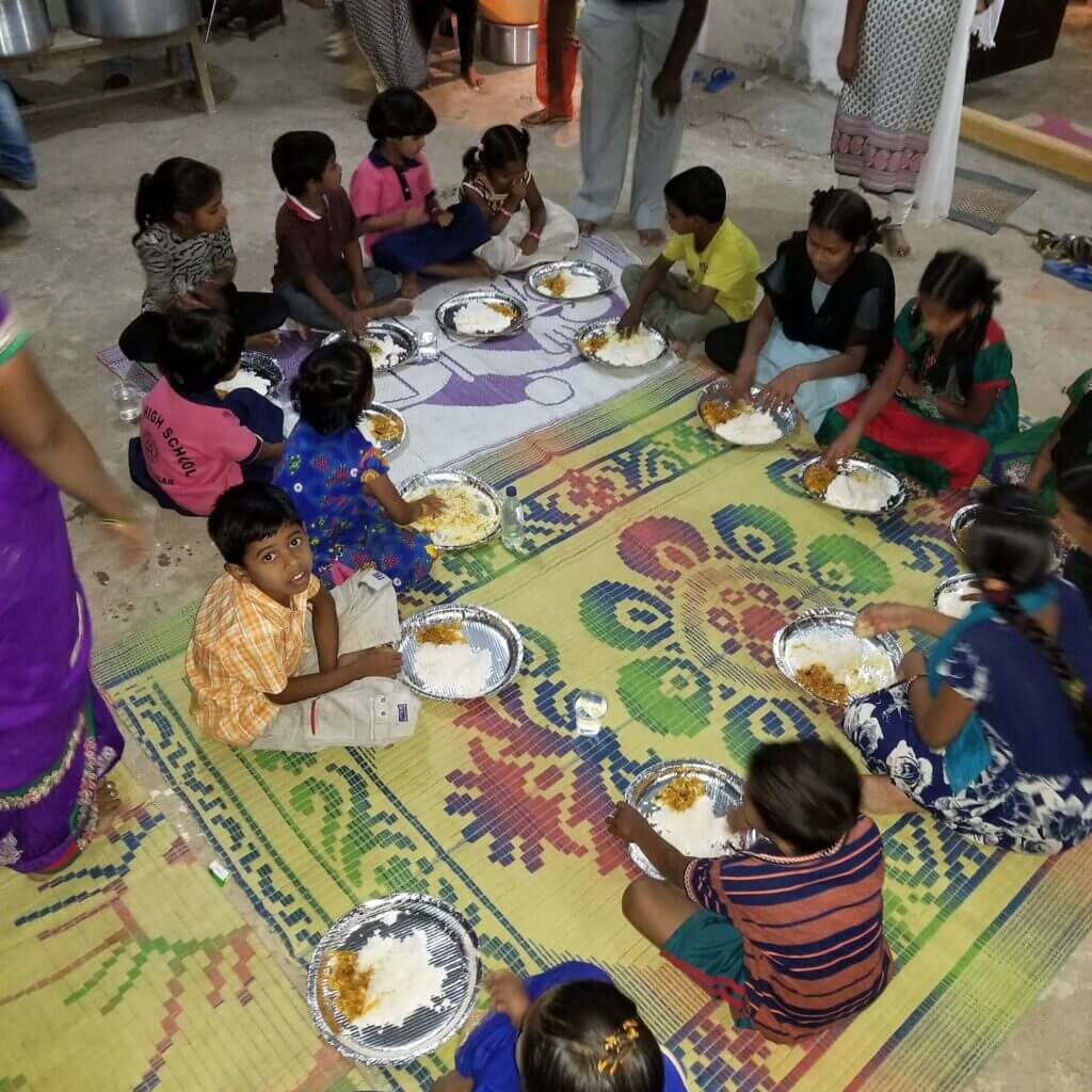 GS-mealtime-gathering-1024x1024