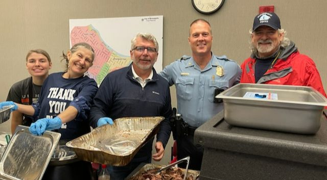 Serving meals to Mpls Police, with Ally Force.